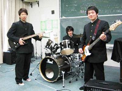 滝川高等学校制服画像